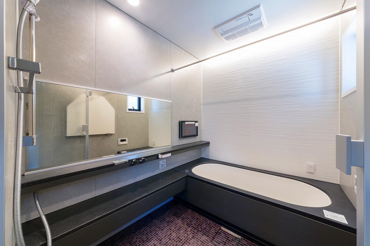 バス/トイレ事例:浴室(ビルトインガレージのある都市型住宅)