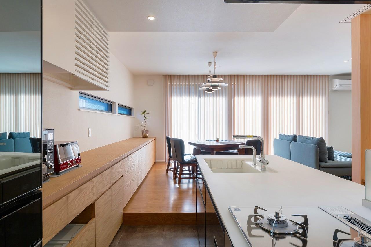 キッチン事例:キッチン(ビルトインガレージのある都市型住宅)