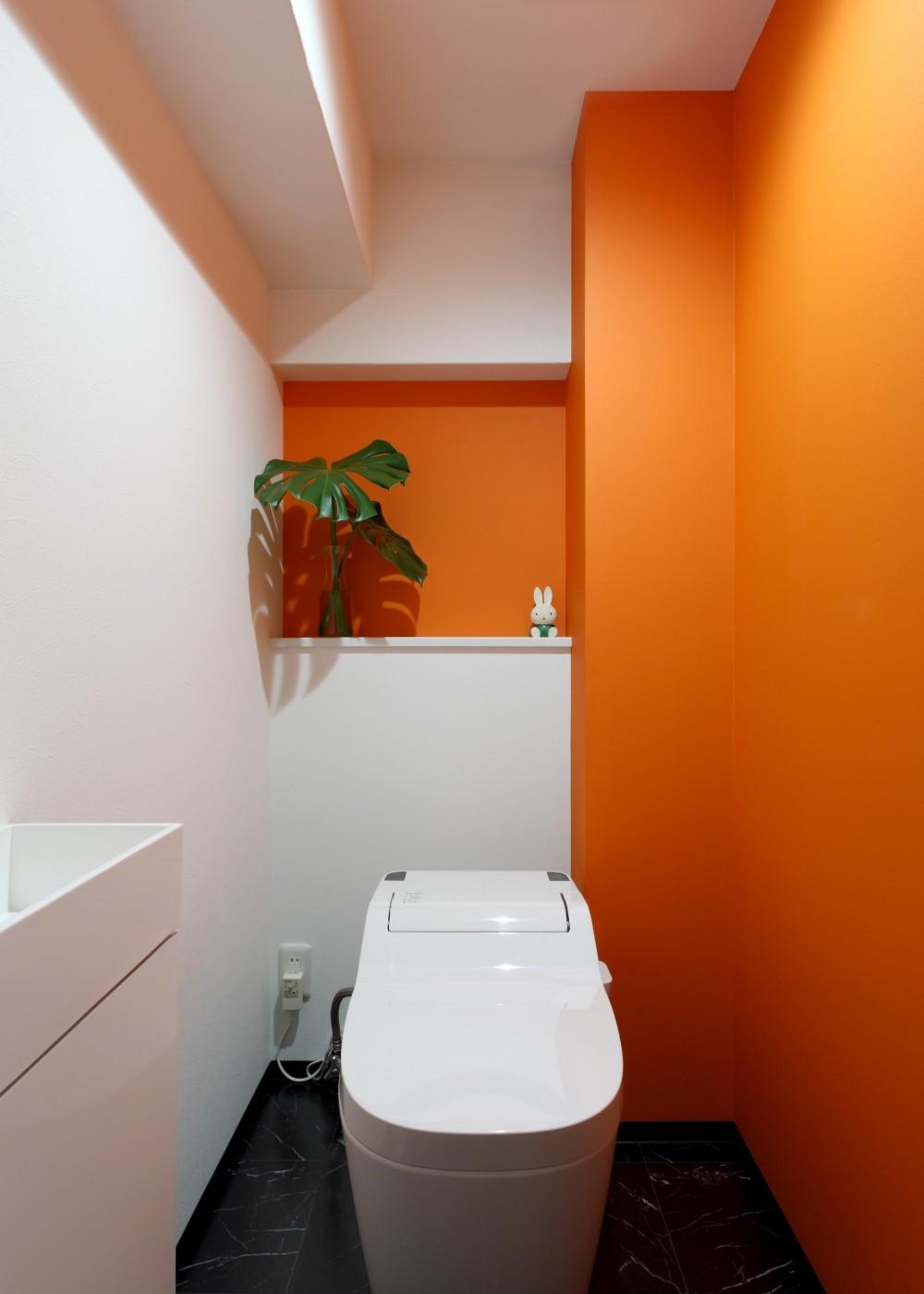都心立地とインテリアにこだわった二人だけのリノベーション (トイレ)