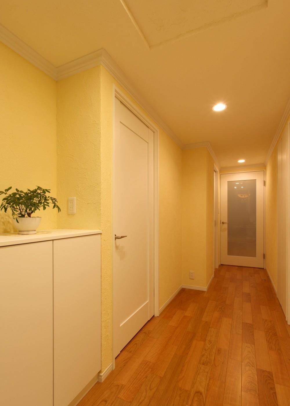環境・アクセスに恵まれ、自然素材にこだわった住まい (廊下)