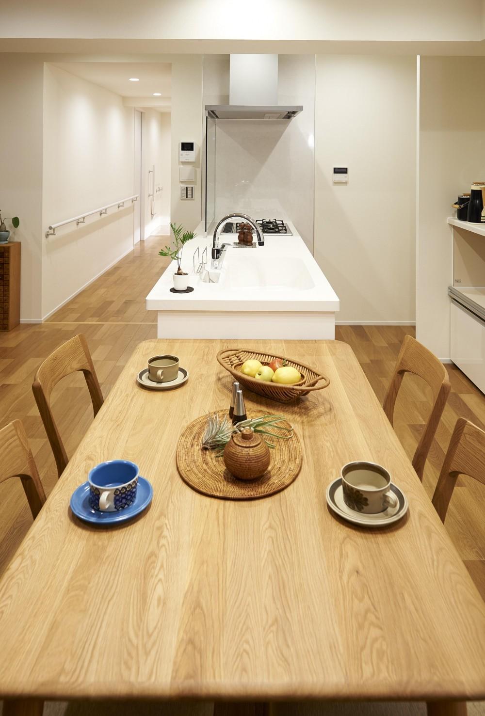 環境利便性を備えた立地にリタイヤ後に焦点を当てたバリアフリータイプ (ダイニング・キッチン)