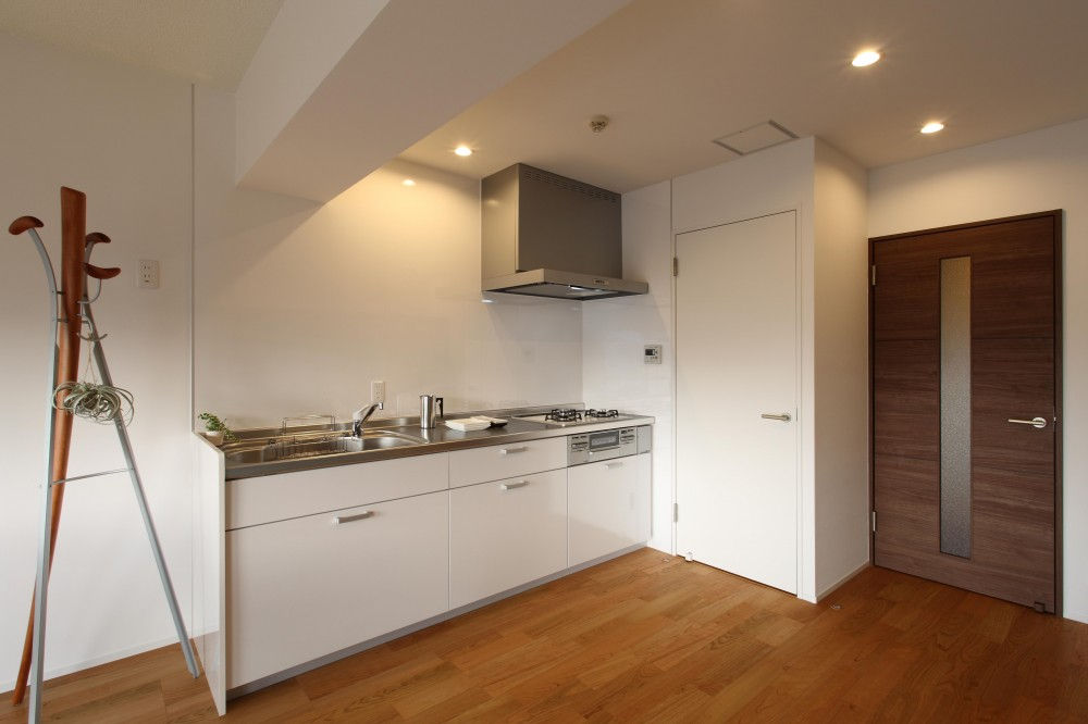 内装に拘ったLDK空間でひとり暮らしをとことん楽しむ。 (キッチン)