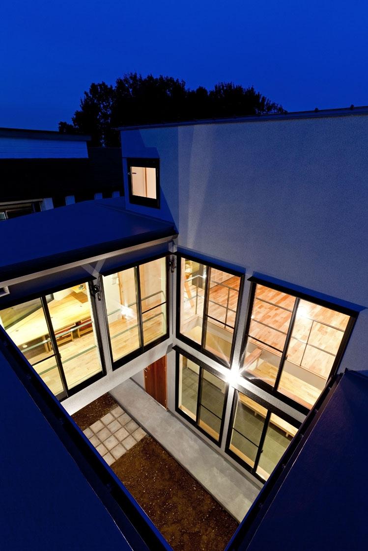 まわる家/愛犬目線でつくる家の部屋 ロの字型プランの外観