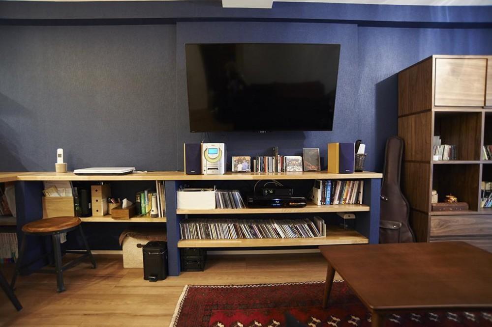 ペルシャ絨毯のある暮らし (ペルシャ絨毯のある暮らし リビング 造作テレビ台)