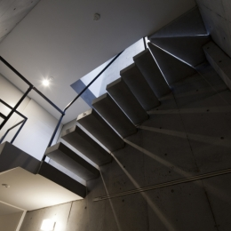 東松原のコーポラティブハウスB (階段)