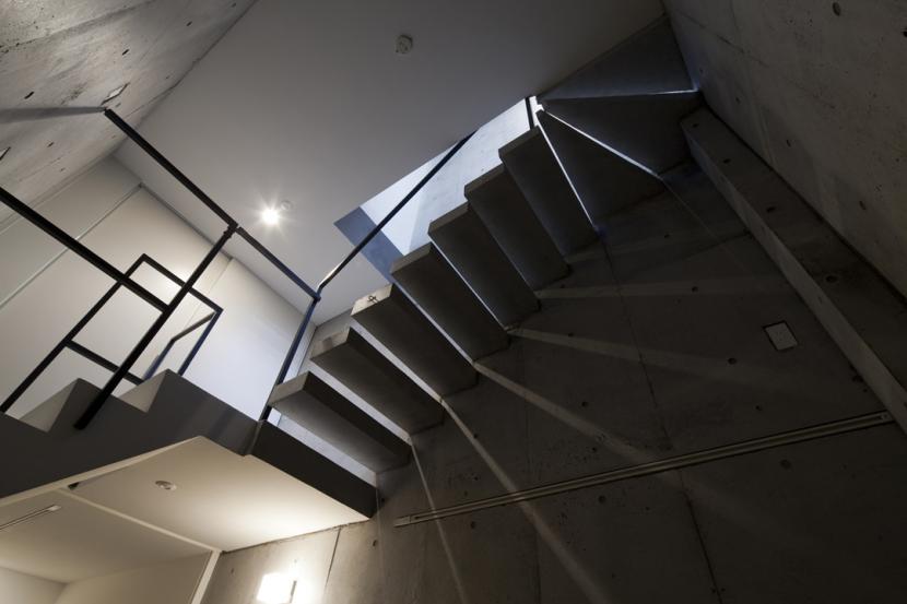 建築家:宮田聡夫 / 牧島哲郎「東松原のコーポラティブハウスB」