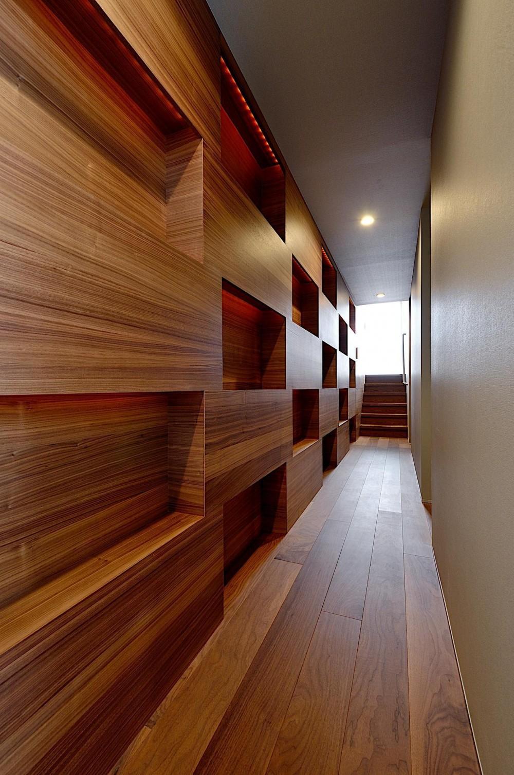 A-House (廊下)