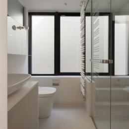 下北沢のコーポラティブハウスE (洗面室)
