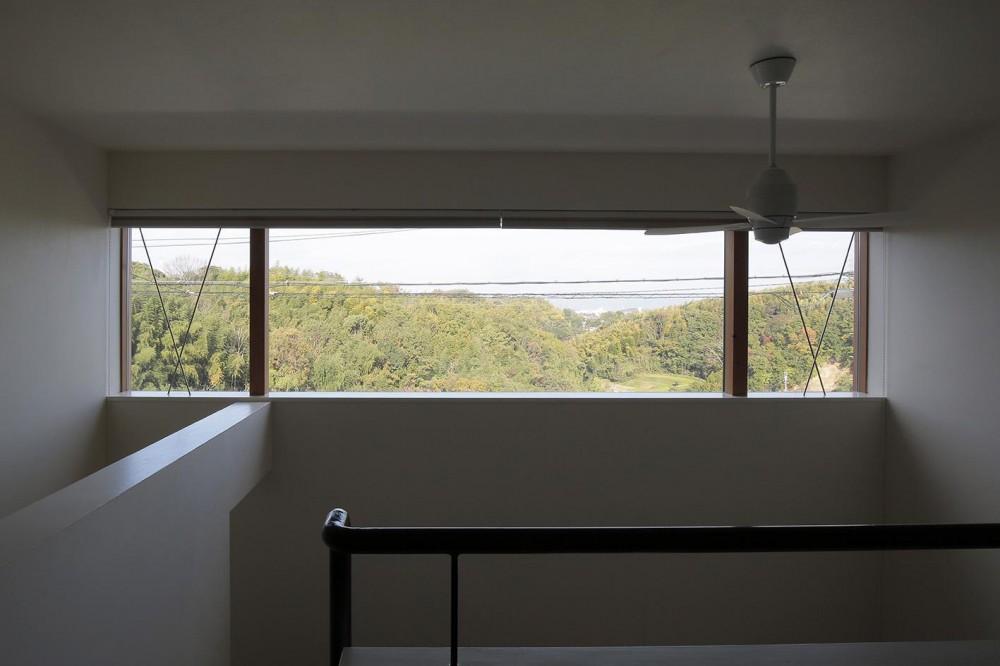 北大和の家 (吹き抜け窓)