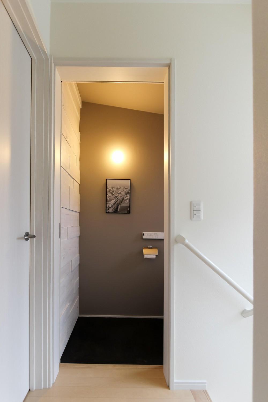 カフェのようにくつろげる空間…《オーダーキッチン》 (2Fのトイレも大人な雰囲気に改装)