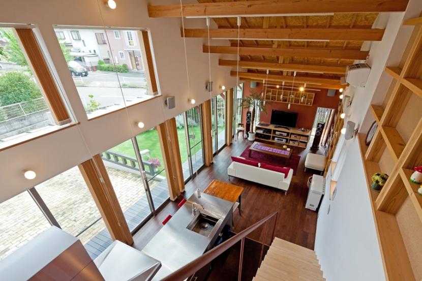 (東京都あきる野市)武蔵増戸のR屋根の家の部屋 リビングの全景(竣工後1年)