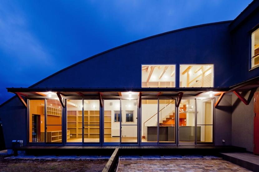 (東京都あきる野市)武蔵増戸のR屋根の家