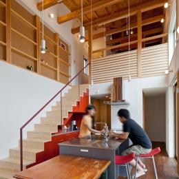 (東京都あきる野市)武蔵増戸のR屋根の家 (アイランドキッチン(製作品)は気どらずに楽しくをテーマに)