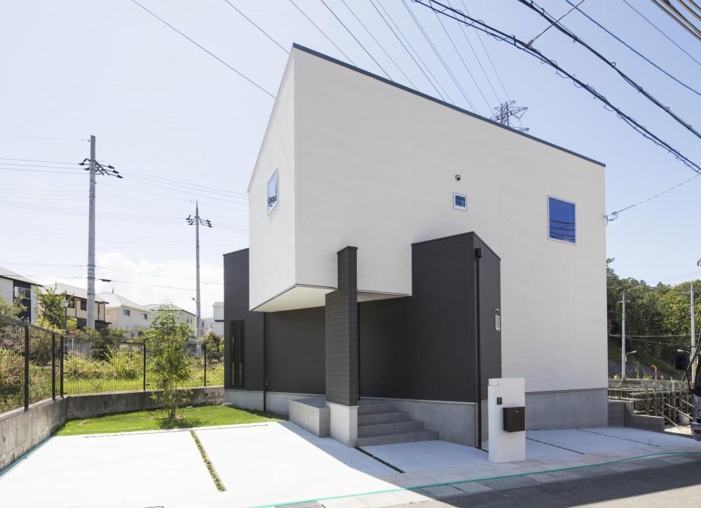COMODO CASA × Re:CASA「Twist House」