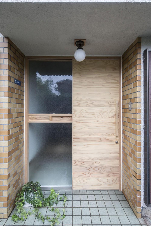借家の家|賃貸向け一戸建てのローコストリノベーション【奈良市】 (玄関)