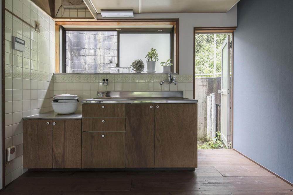 借家の家|賃貸向け一戸建てのローコストリノベーション【奈良市】 (昭和のキッチンを再利用。)