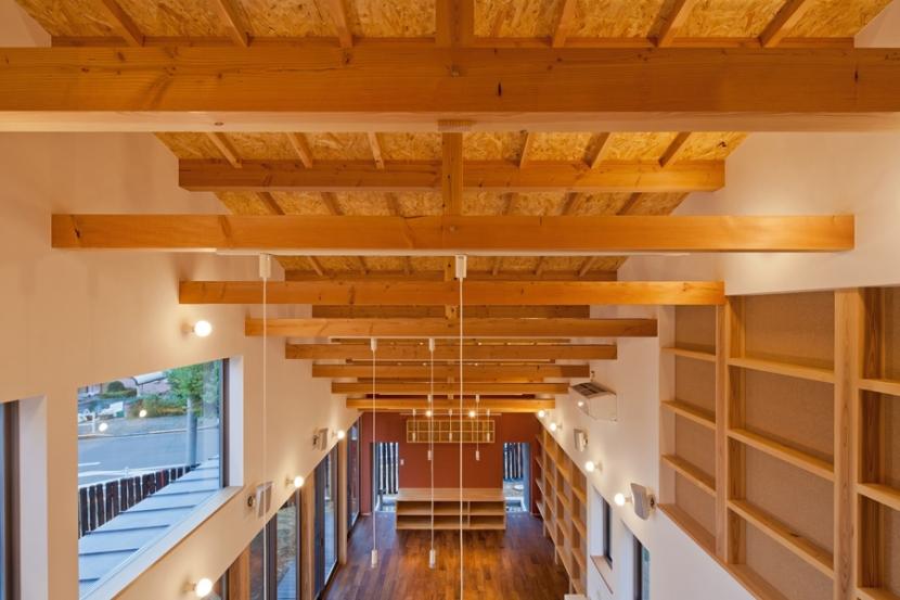 (東京都あきる野市)武蔵増戸のR屋根の家の部屋 フィーデンレール梁がリズミカルな構造体
