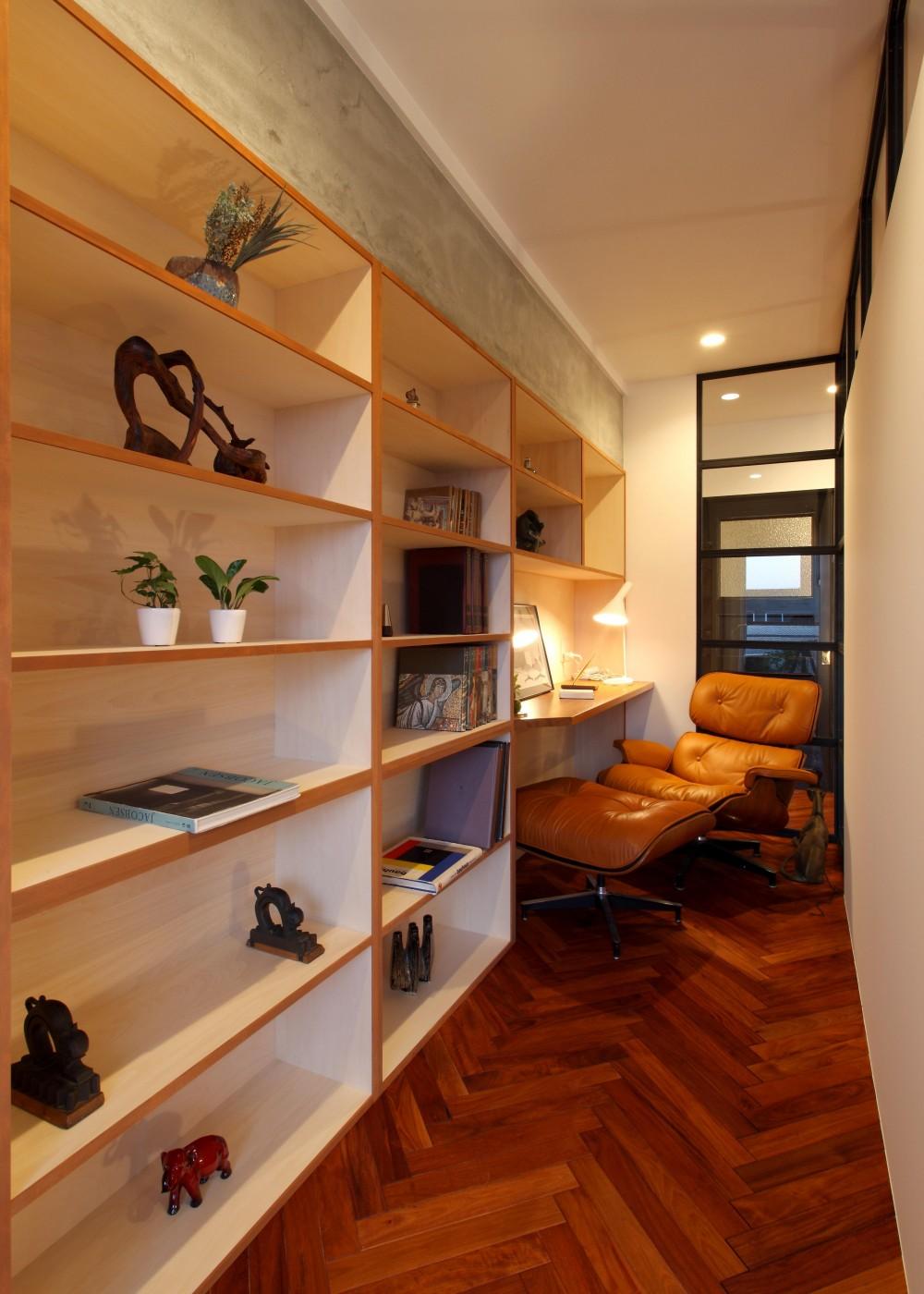 ヴィンテージマンション×リノベーションで理想の住まいを実現 (書斎)