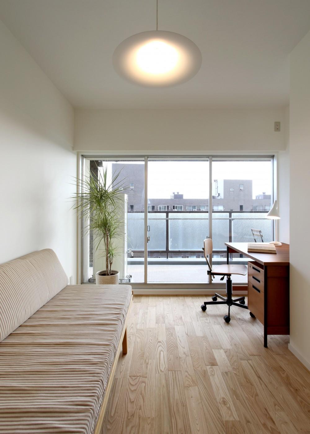 ヴィンテージマンション×リノベーションで理想の住まいを実現 (洋室)