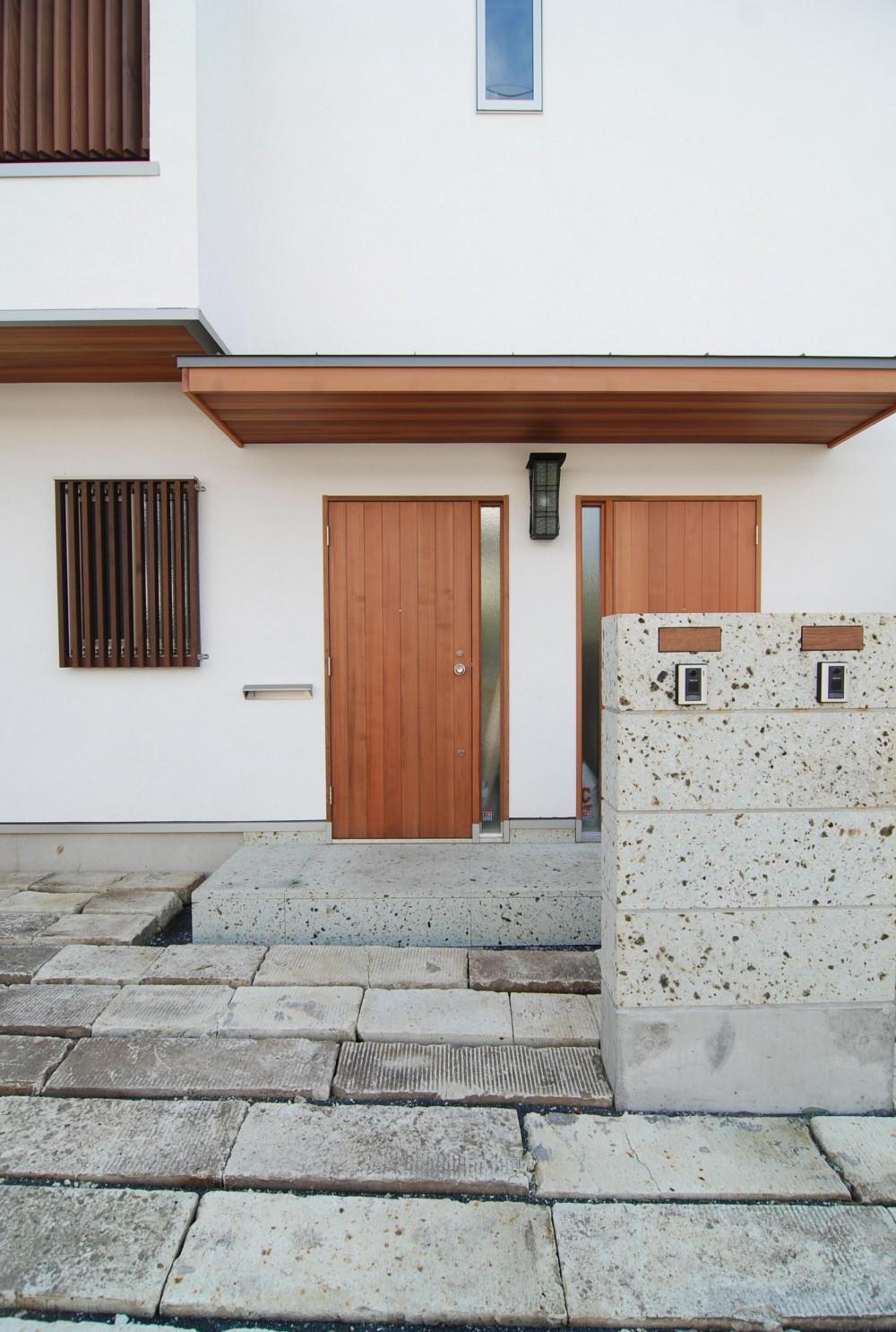 個性ある上下分離2世帯住宅~それぞれにかかる工事費を明確にしながらの住まいづくり~ (オープン外構)