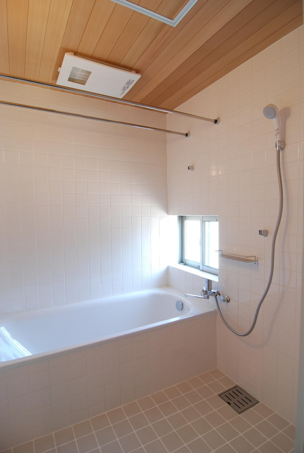 個性ある上下分離2世帯住宅 (浴室)