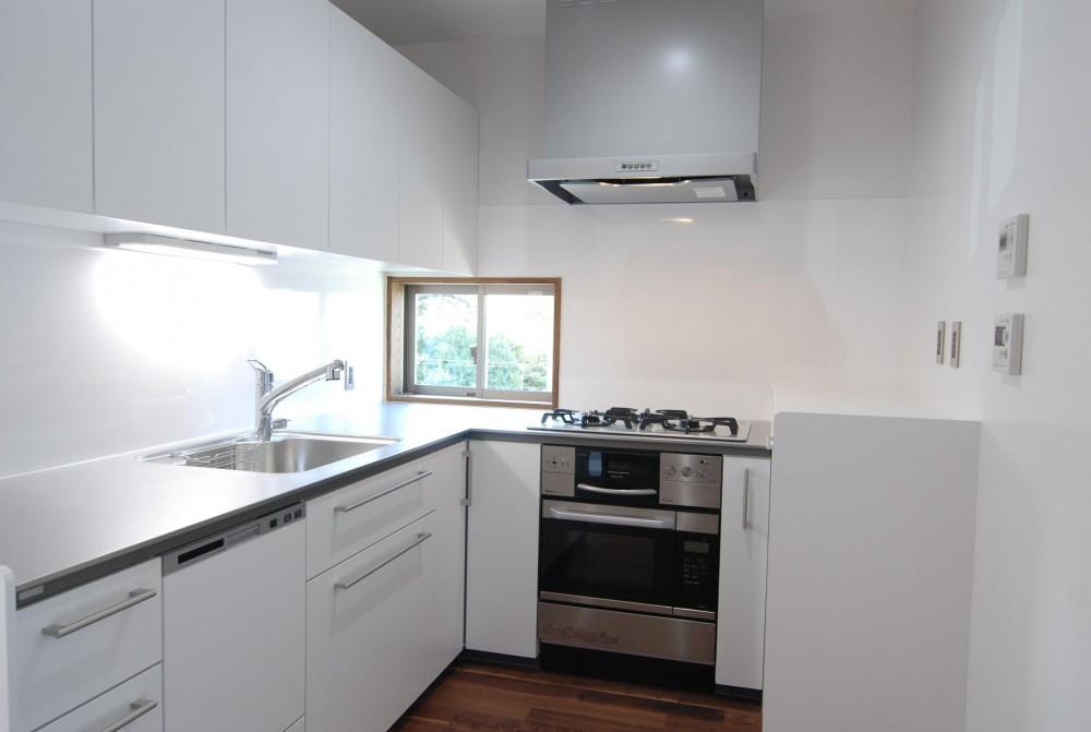 個性ある上下分離2世帯住宅~それぞれにかかる工事費を明確にしながらの住まいづくり~ (キッチン)