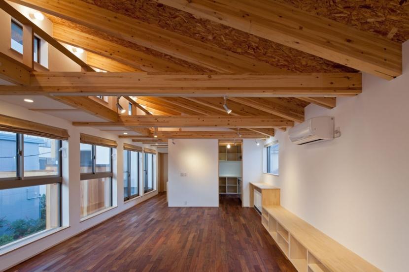 木格子の家/石神井台の二世帯住宅の写真 2階子世帯フロアのリビング(SE構法による構造)