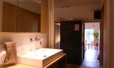 オープンな洗面室|私たちの家