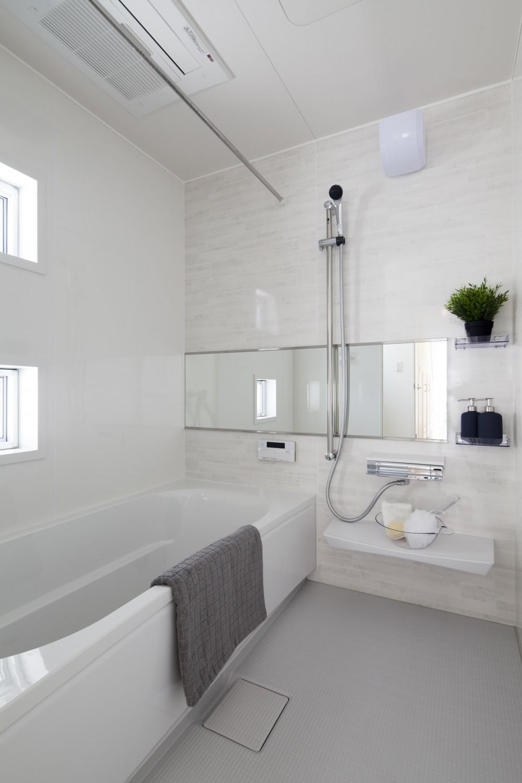 雨の似合う邸 (浴室)