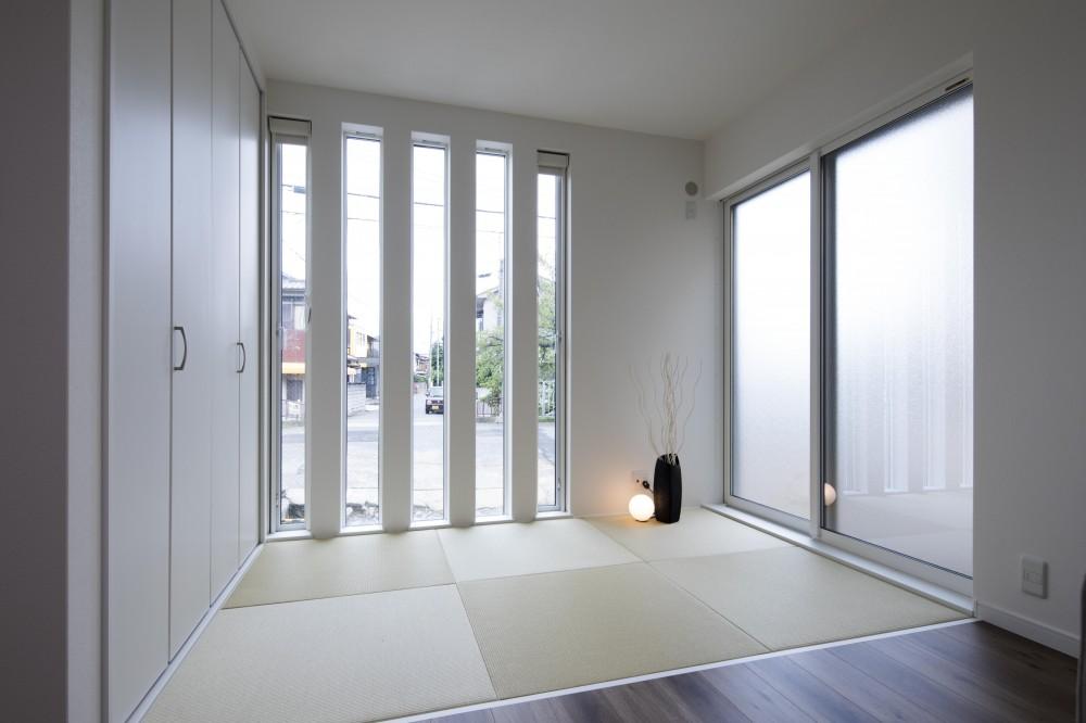 モダンスリット窓の邸 (和室)