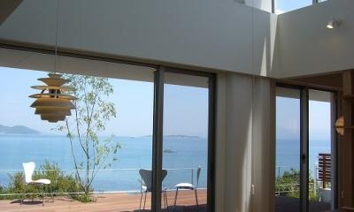リビング|SEE SEA HOUSE  (海が見える家)