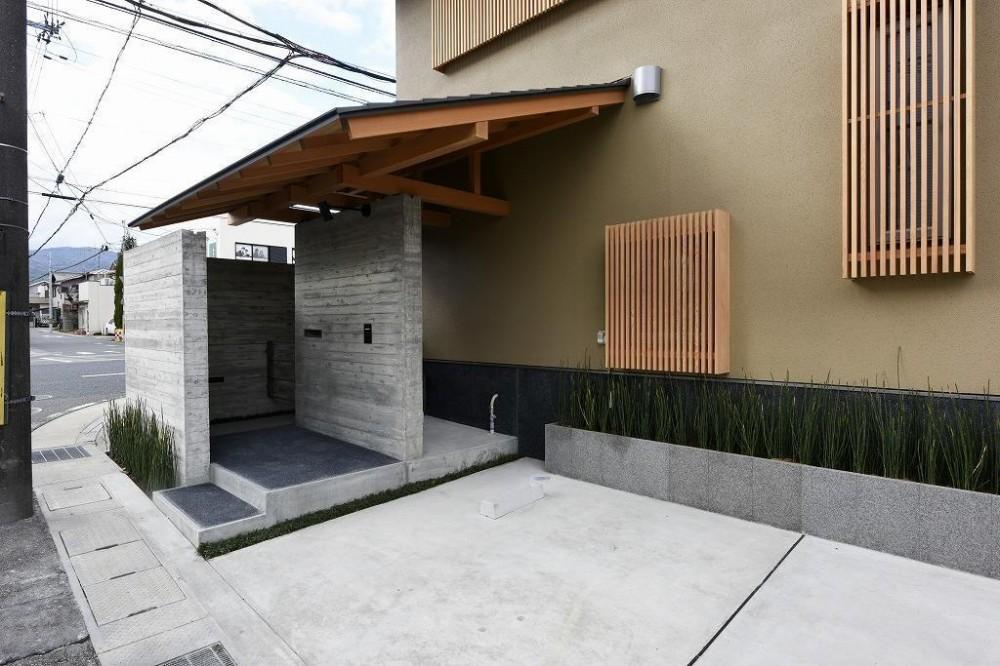 「中庭のある家@現代京町家」 (外観)