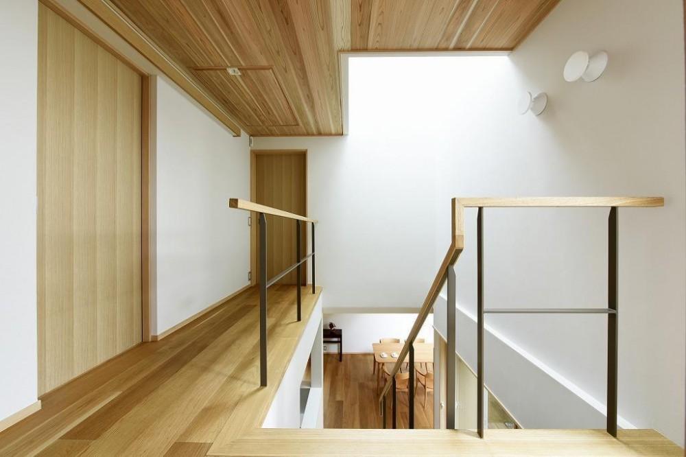 「中庭のある家@現代京町家」 (吹抜け階段)