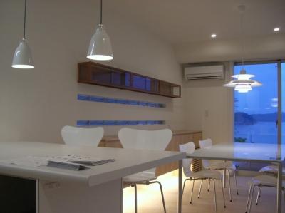 SEE SEA HOUSE  (海が見える家) (ダイニングキッチン)