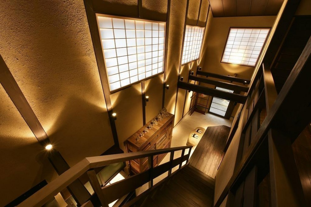 「藏や」南聖町 (町家旅館) (階段吹抜け)