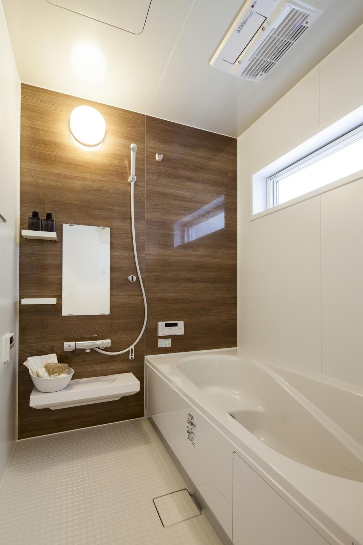 奇をてらわない邸 (浴室)