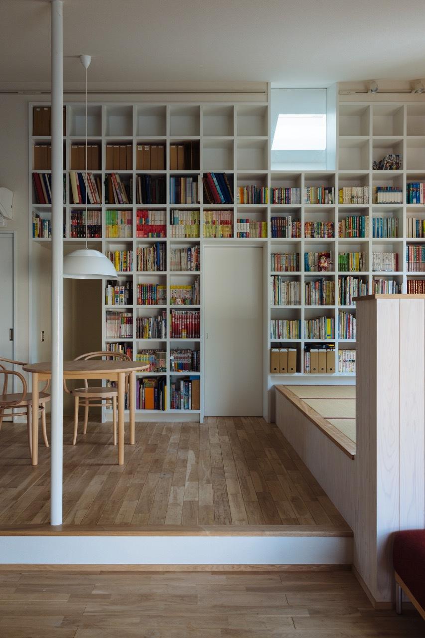 収納事例:約1500冊を収納できる本棚(汐見坂の家)