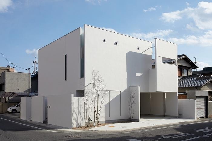 WHITE   BOX (外観)