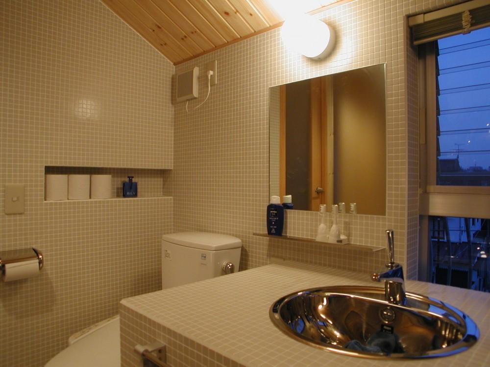 二世帯住宅に変える鉄骨造のリノベーション (バスルーム)