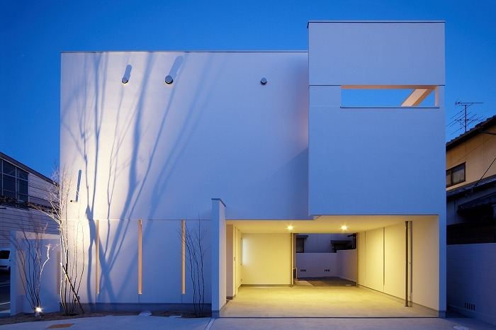 建築家:Mitsutoshi Okamoto「WHITE   BOX」