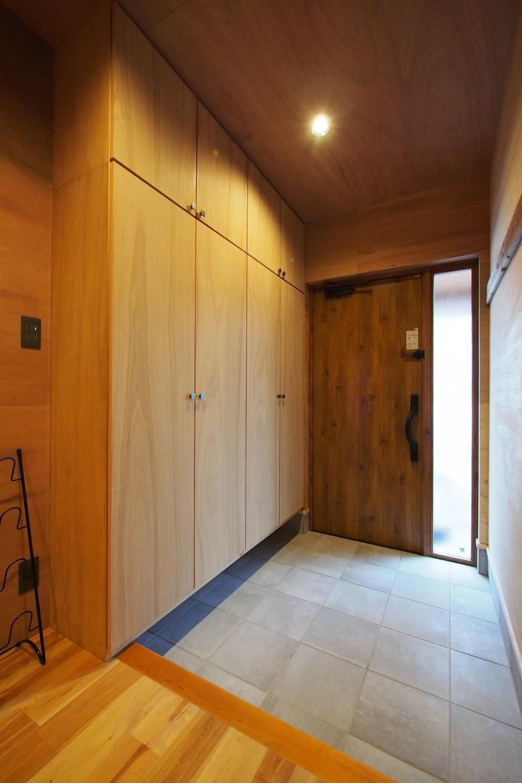 ビンテージを作るリノベーション (玄関・ホール)