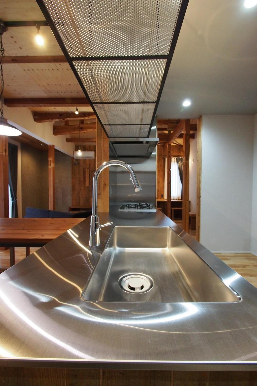 ビンテージを作るリノベーション (キッチン)