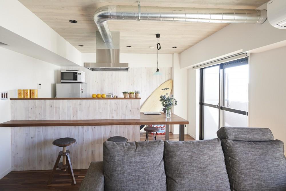 コンパクトな空間を無駄なく活用して快適に (キッチン)