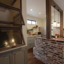 LDK改装・プロヴァンスの雰囲気漂う大人空間の写真 既製品を上手に使った見た目も可愛いキッチン