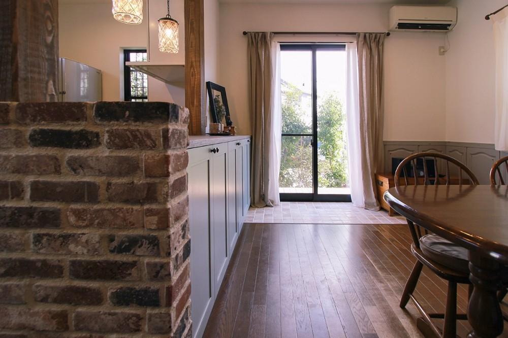 LDK改装・プロヴァンスの雰囲気漂う大人空間 (腰窓から大きな掃出し窓へ)