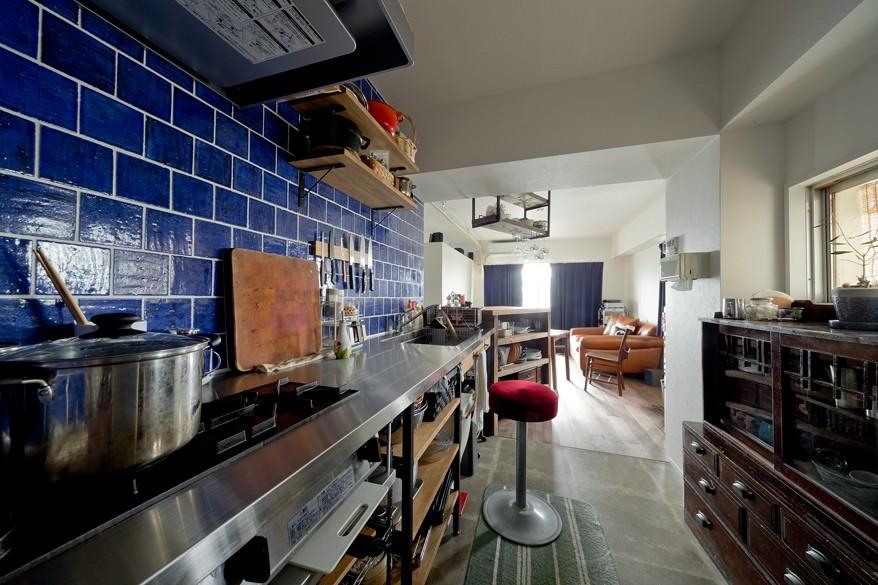 キッチン (アンティーク家具が馴染む懐の深い家)