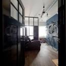 アンティーク家具が馴染む懐の深い家の写真 玄関