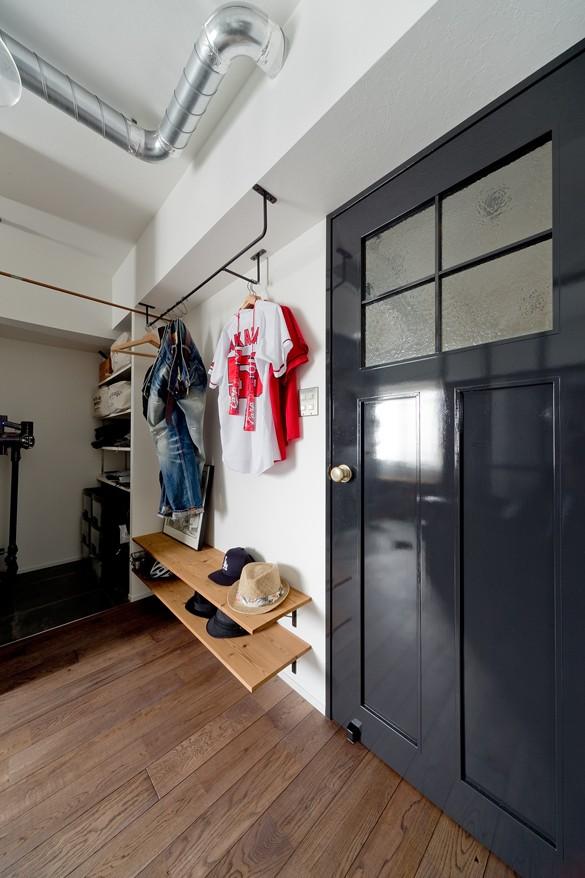 玄関事例:廊下(アンティーク家具が馴染む懐の深い家)