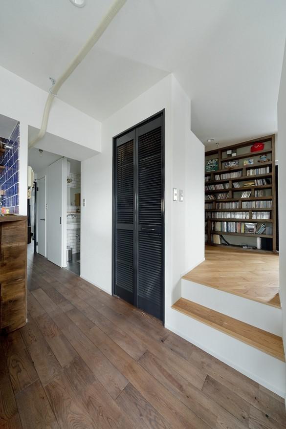 書斎事例:小上がり空間(アンティーク家具が馴染む懐の深い家)