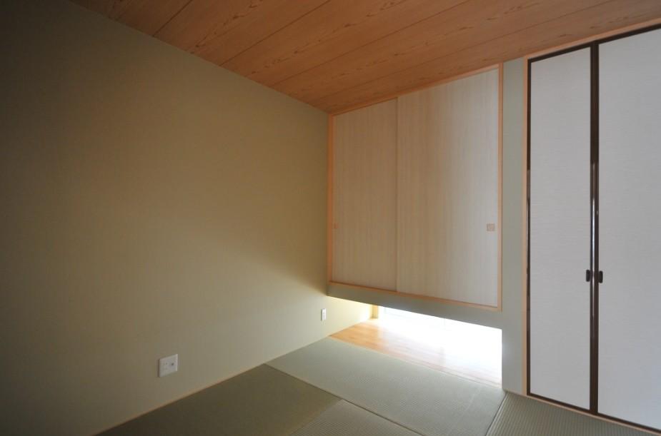 逗子の3代で受け継がれる2世帯住宅の家 (和室)